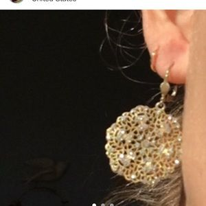 Earring flower diamonds faux gold